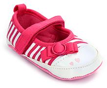 Cute Walk Baby Booties - Bow Applique
