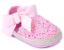 Cute Walk Baby Booties - Bow Applique