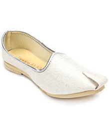 Cute Walk Brocade Mojri - Pearl White