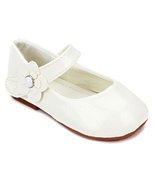 Sweet Year Belly Shoes Floral Applique - White