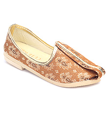 Cute Walk Traditional Brocade Mojari Shoes - Straw