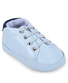 Gini & Jony Shoe Style Infant Booties - Lace Design