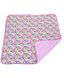 Piccolo Bambino Reversible Wrapper House Print - Pink
