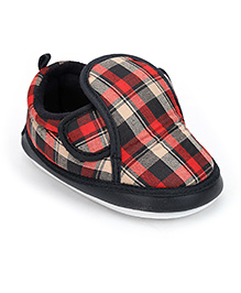 Littles Musical Baby Booties Checks Print - Red And Black