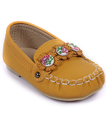 Cute Walk Loafers Flower Design With Button Detail - Yellow