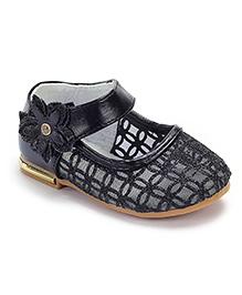 Cute Walk Belly Shoes Flower Applique - Black