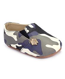 Cute Walk Slip On Shoes Stone Embellished -  Black