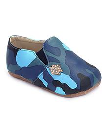 Cute Walk Slip On Shoes Stone Embellished -  Blue
