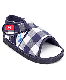 Indman Booty Sandal With Velcro Closure Checks Print - Navy Blue And White