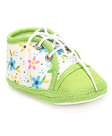 Cute Walk Baby Booties Lace Tie Up Floral Print - Green