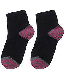 Cute Walk Socks - Black And Fuchsia