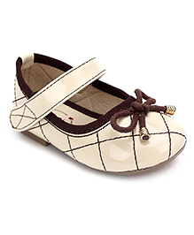 Ket Belly Shoes With Velcro Closure Bow Lace - Beige