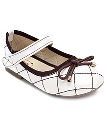 Ket Belly Shoes With Velcro Closure Bow Lace - White