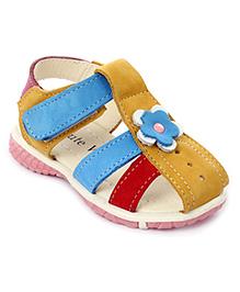 Cute Walk Velcro Sandals Flower Applique - Beige
