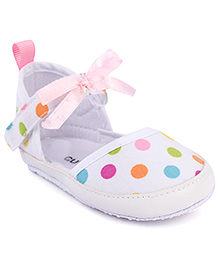 Cute Walk Strap Closure Bellies Polka Dots - White