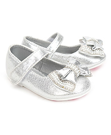 Kittens Party Belly Shoes Studded Bow Applique - Silver