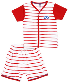 Simply Half Sleeves T-Shirt And Shorts Stripe Pattern - Red And White
