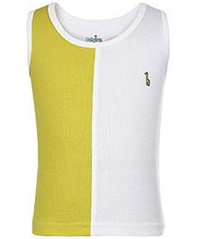 Babyhug Sleeveless Vest Logo Patch - White And Green