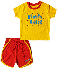 Wow Mom Short Sleeves Top And Shorts Beauty Queen Print - Yellow