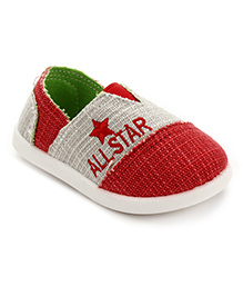 Cute Walk Slip-On Canvas Shoes Star Embroidery - Red
