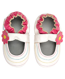 Momo Baby Soft Sole Leather Shoes Rainbow Toes - White And Pink