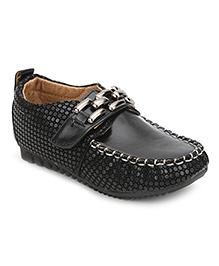 Cute Walk Velcro Closure Loafers - Black