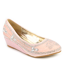 Cute Walk Studded Design Belly Shoes - Pink