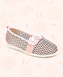 Cute Walk Net Belly Shoes Flower Motif - Pink
