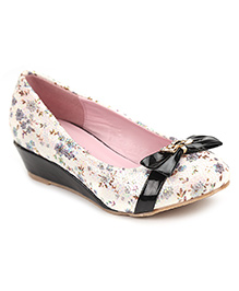 Cute Walk Belly Shoes Floral And Bow - Black
