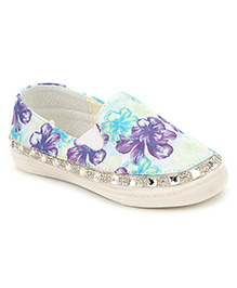 Cute Walk Floral And Studded Design Slip-On Shoes - Green