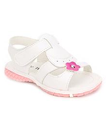 Cute Walk Sandals Flower Motif - White