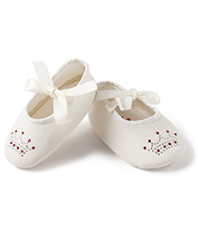 Little Princess Crown Embellished Shoes - Cream