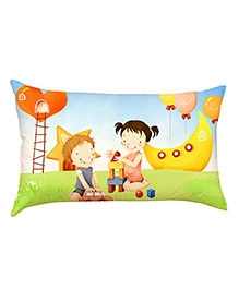 Stybuzz Kids Playing With Blocks Baby Pillow Cover - Multicolour