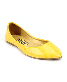 Doink Belly Shoes Square Design - Yellow