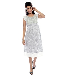 Nine Short Sleeves Maternity Dress - Multicolor
