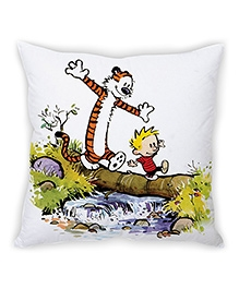 Stybuzz Walking Tiger Cushion Cover White And Multicolor - FCC00037