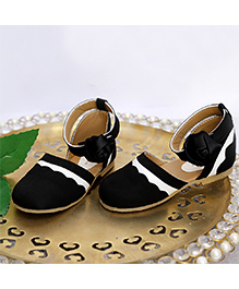 Peep Toes Sandals - Black