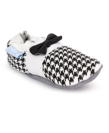 Jack & Lily Baby Shoes Bow Design - White And Black