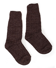Model Plain Woolen Socks - Dark Brown