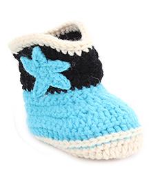 Cute Walk Baby Booties Star Applique - Blue