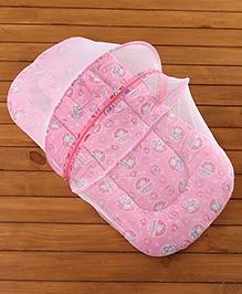 Babyhug Bedding Set With Center Zip Mosquito Net Heart Print- Pink