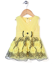 Lei Chie Dress  With Flower Applique - Yellow