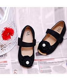 D'chica Shoes Stylish Classic Flower Shoes - Black