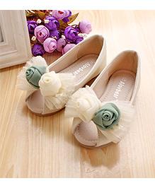 Zebeggi Rose Bow Peep Toe  - Cream