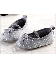 Milonee Polka Dot Shoes - White & Grey