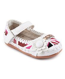 Cute Walk Belly Shoes Floral Applique - Dark Pink