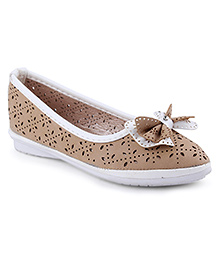 Cute Walk Belly Shoes Bow Applique - Beige