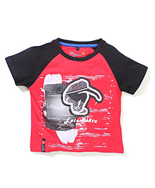 Prince And Princess Contrast Color Neckline T-Shirt - Red