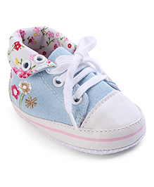 Cute Walk Baby Booties Floral Design - Sky Blue And White