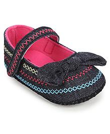 Cute Walk Booties Bow Applique - Black